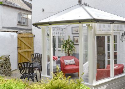 The conservatory & sitting out area at Harbour Hideaway, Ilfracombe