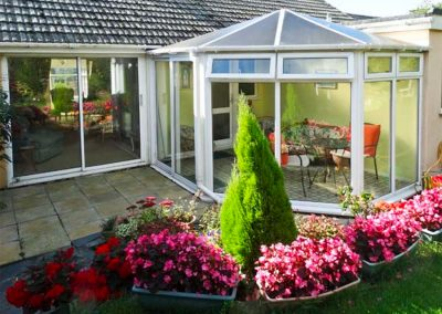 The patio & conservatory at Harlyn, Mevagissey