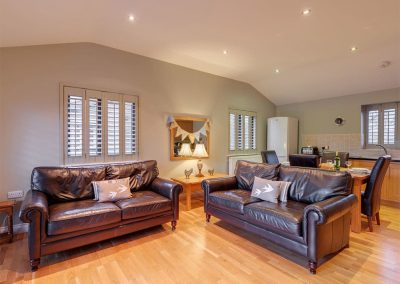 The living area at Heron Lodge, South View Lodges, Shillingford St George