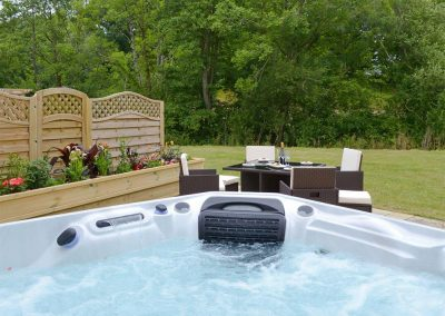 The hot tub at Honey Pippin, Horselake Farm Cottages, Cheriton Bishop