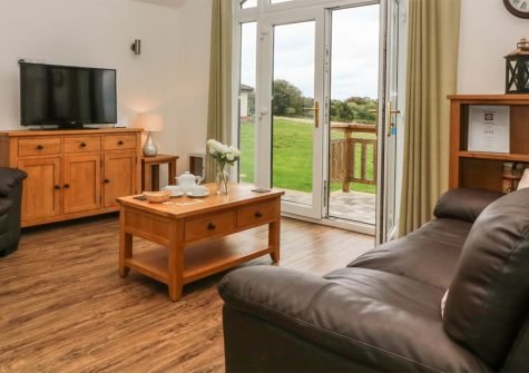 Keepers Cottage, Stoneleigh Holiday Village, Weston