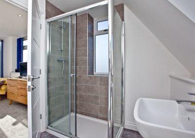 Bedroom #1 en-suite at Kingsley House, Newquay
