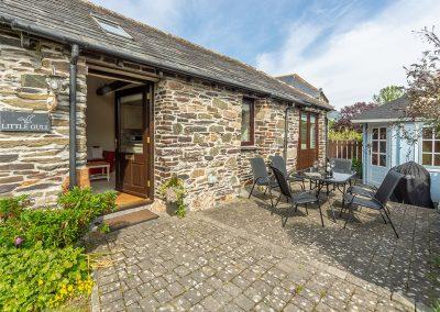 The patio at Little Gull, Roserrow, Polzeath