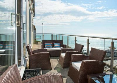 The outdoor terrace Looe Island View, Downderry