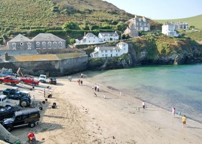 Lower Moon is in a magnificent location for enjoying Port Isaac's sandy beach