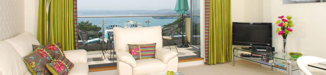 Masts A4 - Tree Tops, Torquay - Luxurious 5 star-gold rated apartment, offering al fresco dining on the large balcony, with spectacular views