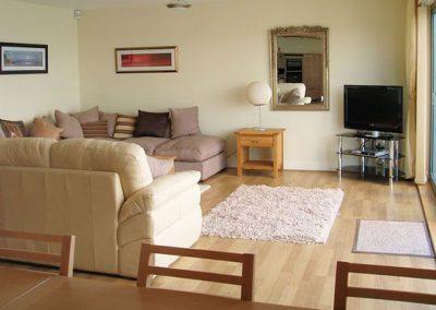 The living area @ Masts B11, Torquay