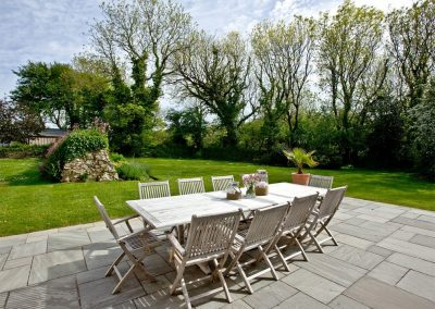The patio & garden at Mowhay Barn, St Ervan