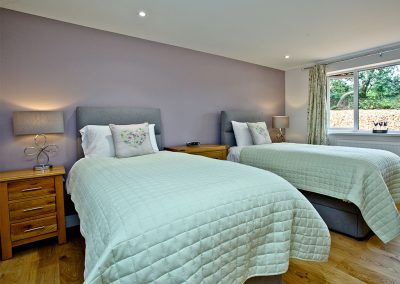 Bedroom #2 at Oak Lodge, South View Lodges, Shillingford St George