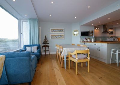 The dining & sitting area at Oyster Bay, Port Isaac