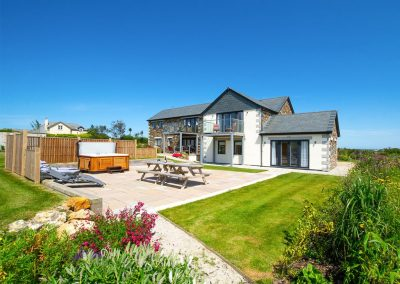 The hot tub, sun terrace & garden at Padstow Country Barn, Trenance
