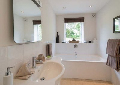 The bathroom at Penarvon House, Helford