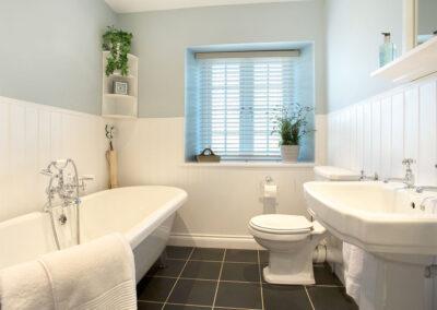 The bathroom at Penlaurel, Daws House
