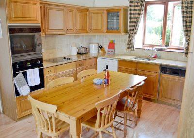 The kitchen & dining area at Penty Rosen, Rescorla Farm Cottages, Rescorla