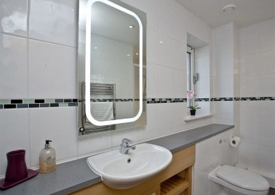 Bedroom #1 en-suite at Poseidon Penthouse, Bredon Court, Newquay