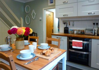 The kitchen & dining area at Primrose Cottage, Penryn