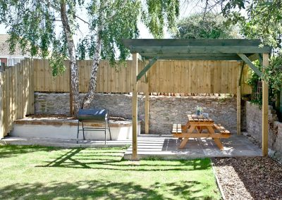 The garden & barbecue area at Red Sails, Brixham