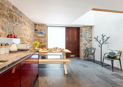 The kitchen & dining area at Riding Through The Clouds, Wherrytown