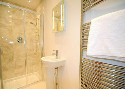 En suite to bedroom #2 @ Riviera Apartment, Torquay