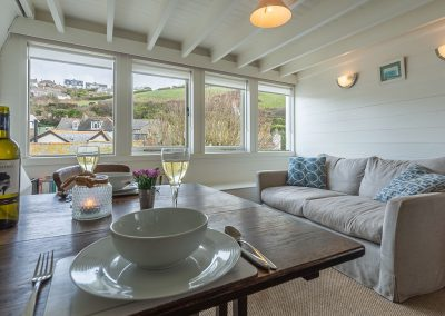 The dining & living area at Sail Loft, Polzeath