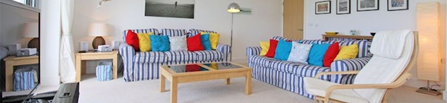 Seaspray, Newquay - A spacious apartment with balcony and sea views ideally located for exploring Newquay.