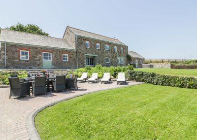 The outdoor patio & garden at Silvermine House, Porthpean