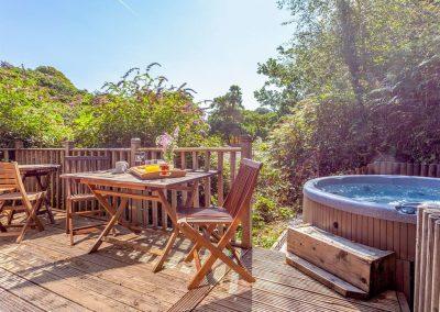 The deck & hot tub at Spindrel, Gara Mill, Slapton