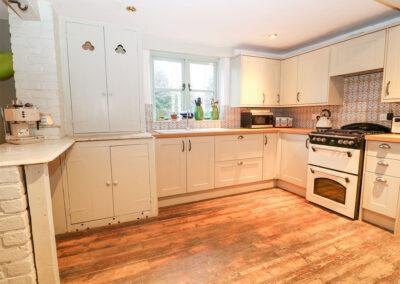 The kitchen at Spring Park Farmhouse, Rezare