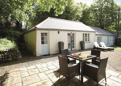 The outdoor patio at Spring Water Barn, Bonython Estate, Cross Lanes
