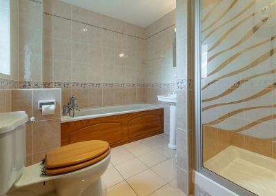 The bathroom at Tamarisk, Roserrow, Polzeath