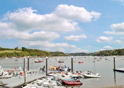Tappers Quay 2, Salcombe is a short walk from Salcombe town centre, shops, restaurants & quays
