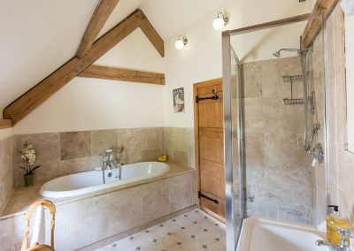 The bathroom at The Abandoned Cottage, Prixford