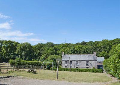 The spacious garden at The Farmhouse, St Kew Highway