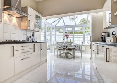 The kitchen and dining area @ The Hamptons, Torquay