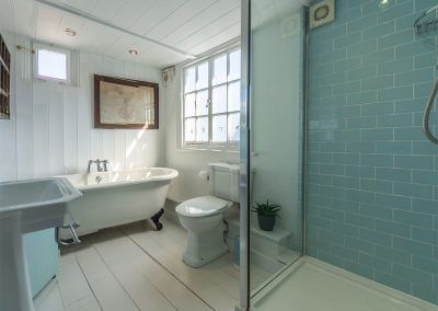 The bathroom at The Langley Tarne, Mousehole