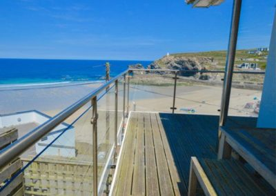 The wraparound balcony at The Lookout, Portreath