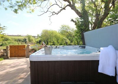 The hot tub at The Old Forge, Bosavern