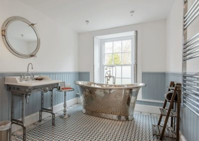 The bathroom at The Old Vicarage, Lelant