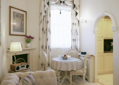 The dining area at The Regency Apartment, Torquay