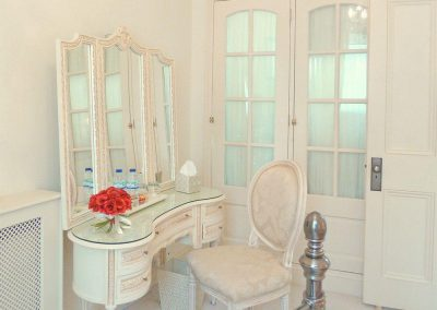 The bedroom at The Regency Apartment, Torquay