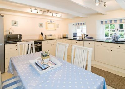 The kitchen & dining area @ The Rigging, Polperro