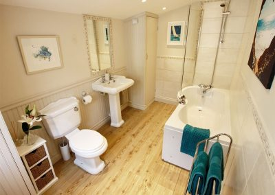The bathroom at The Shell Seekers, Fowey