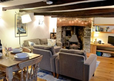 The living area at The Thatch Cottage, South Petherwin