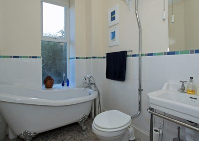 The main bathroom @ The View, Pentowan House, Newquay