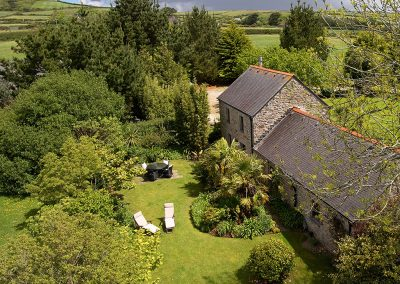 Tregadjack Barn, Prospidnick is an enchanting detached property in a private 20 acre tranquil setting