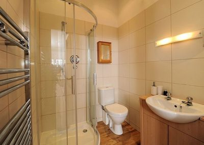 The bathroom at Upper Knutsford, Exmouth