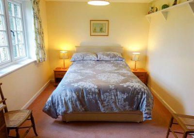 The bedroom at Valley View, Burrow Farm Garden Retreat, Dalwood
