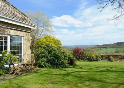 The patio & shared garden at Valley View, Burrow Farm Garden Retreat, Dalwood