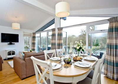 The dining area at Waters Edge, Lakeview Manor, Dunkeswell