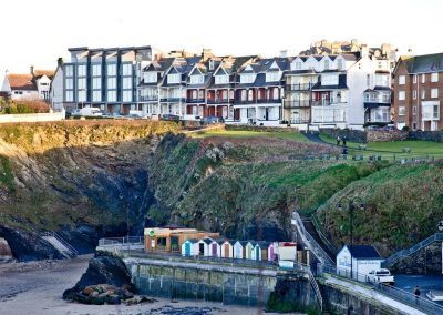 Westcliffe, Newquay has almost direct access down to Towan Beach